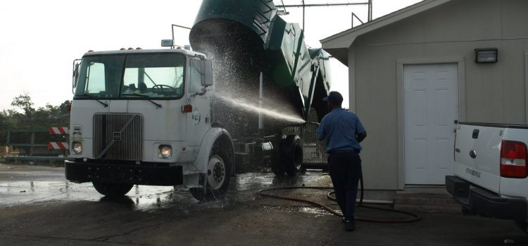 When Should You Go for a Professional Truck Wash?