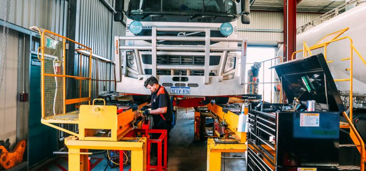 The Benefits of Hiring a 24 Hour Tyre Service Company