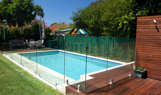 Significant Things You Should Consider Before Doing Swimming Pool Fencing
