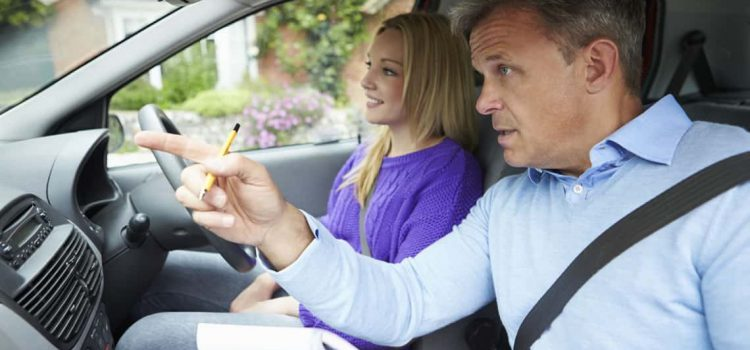 Top 4 Tips to Check Out Before You Choose a Driving School
