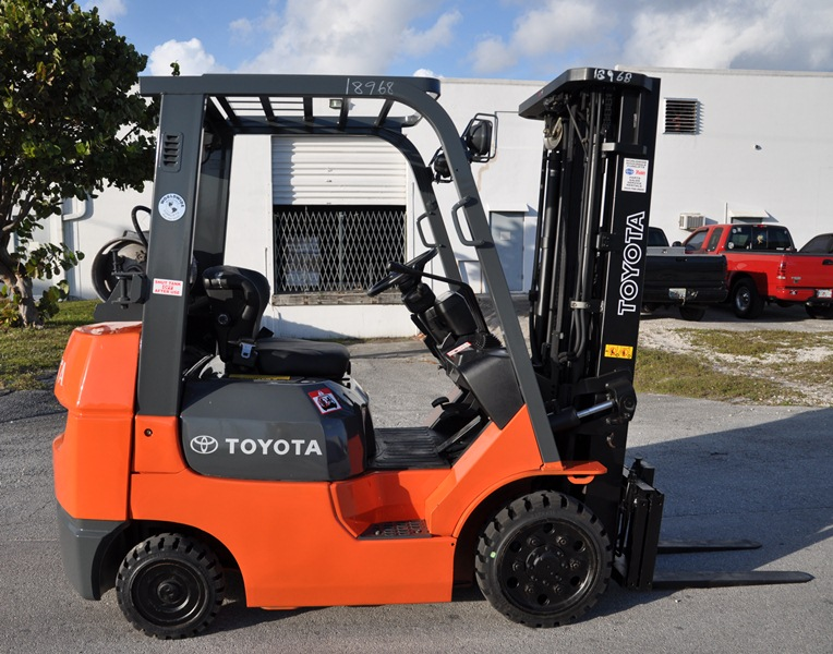These forklifts are mostly found in steel servicing centers and manufacturing sites to load and unload heavy and bulk items. Toyota, Raymond corporation, yale are some examples of side loaders. You can even explore a used Toyota forklift for sale in Sydney, if available.