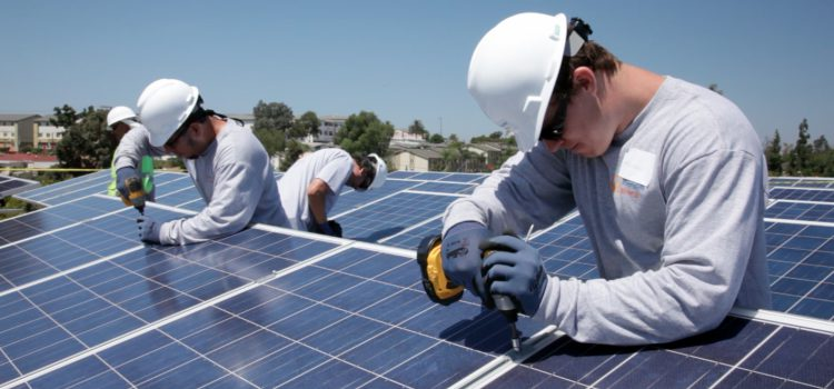 Five Reasons To Hire A Solar Installer