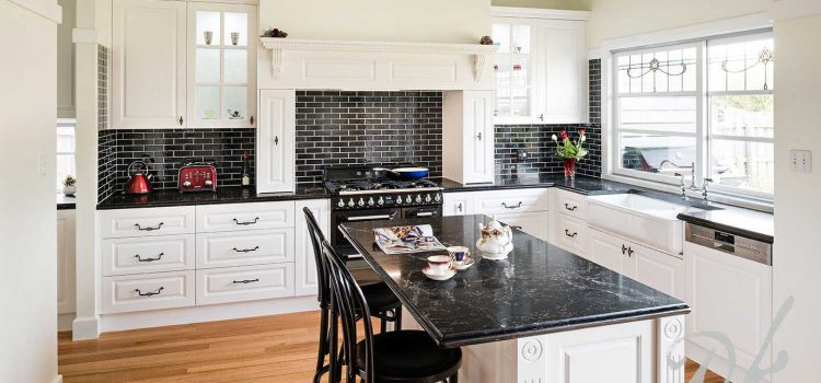 What Are Some Amazing Benefits of Stainless Steel Kitchen Splashback