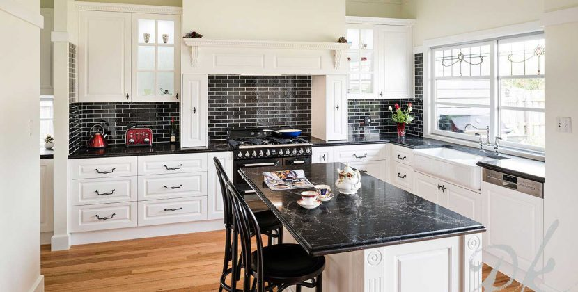 stainless steel kitchen splashback