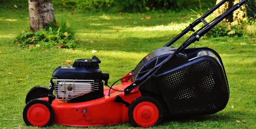 Things to consider when choosing the lawn mower trailer