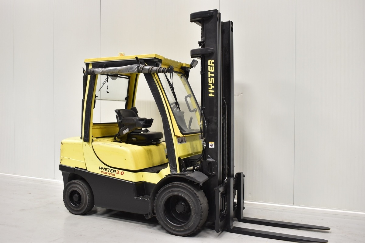 Why Buying Used Hyster Forklifts Make Sense?