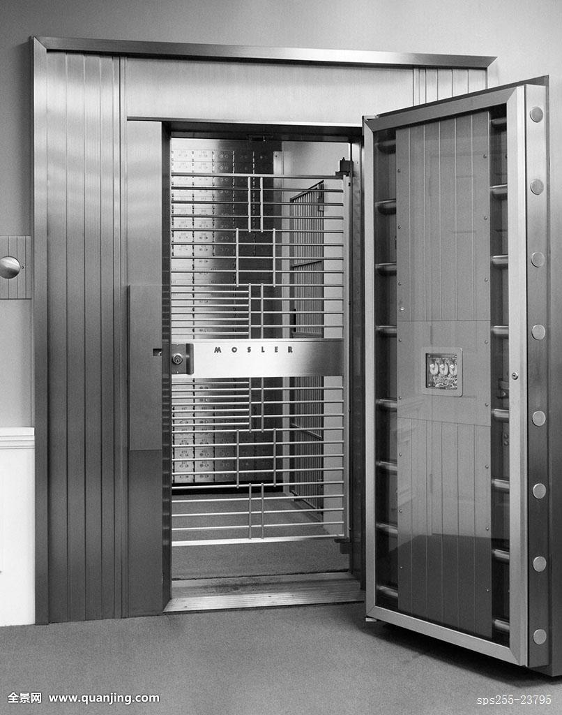 Why Are Stainless Steel Doors Good For Commercial Usage?
